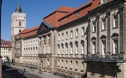 Europa-UniversitŠt Viadrina