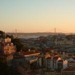 グラサ地域から眺めるリスボンの夕焼け。
