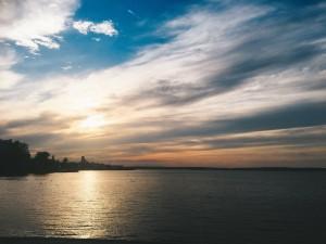 5月終わりのオネガ湖。 私のお気に入りの1枚です。