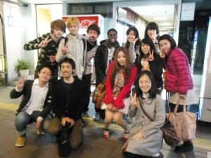 国際教養学部の友たちとの記念写真