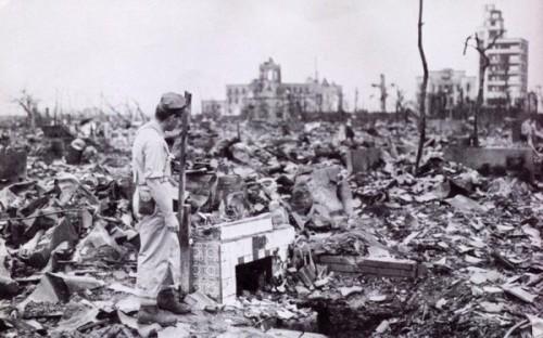 [参考]3/11大空襲後の焼け野原の東京
