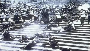 映画でのオデッサの階段の虐殺場面