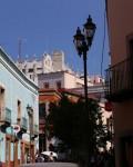 グアナフアトの街並み。奥に見えるのがグアナフアト大学の校舎です。