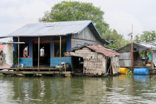 水上村の家