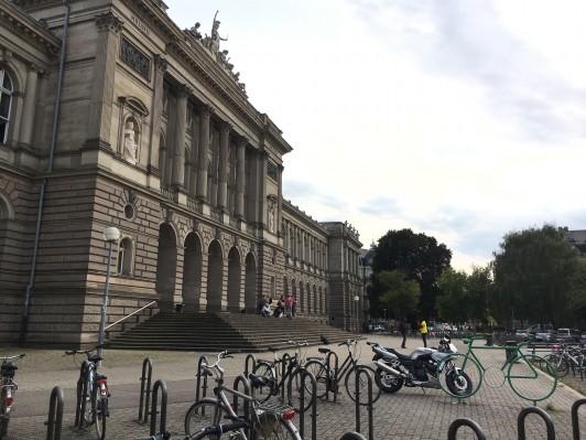 史学科および造形学科とデザイン学科キャンパスはストラスブール大学生の憧れの的です。