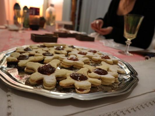 クリスマスに招かれた友達の家で、一緒に作ったbredele(アルザス風クリスマスクッキー)