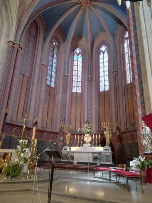 エクスの街中にある、5世紀から16世紀ごろまでの建築様式が混在するサン・ソーヴール大聖堂。