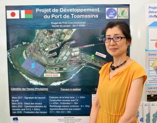 マダガスカルでは港の拡張事業など、経済インフラも支援
