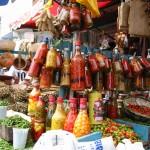 ブラジル・サルバドール市の市場。様々な香辛料