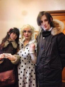 左から、筆者、女優のタマーラ・コレスニコワТамара Колесниковаさん、友だちのセリョージャСерёжаくん