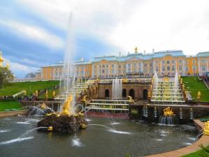ペテルゴフ・夏の宮殿の噴水