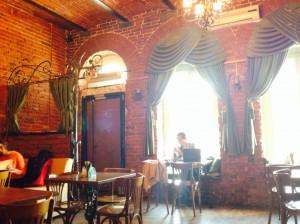 赤レンガがお洒落なカフェ
