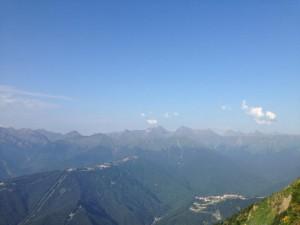 スキーなどの競技が行われた山から撮ったものです。夏は空も透き通っていてすごくきれいです。