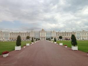 エカテリーナ宮殿。大きすぎて写真に収まりませんでした。