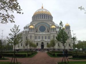 とても大きな教会です。これまた曇っていてごめんなさい。