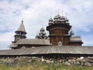世界遺産にもなっているキジ島の木造教会建築