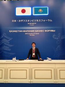 2015年10月末の安倍首相中央アジア外遊に同行したさいカザフスタンで撮影したもの