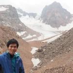 Almaty在住の方々と登山。3,500mから見える氷河の世界は圧巻。