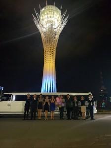 Astana在住のバレリーナ誕生日祝い。リムジンを貸切り、Astanaの夜景を楽しみました。