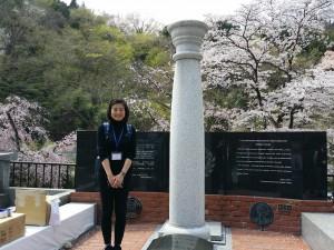 卒業生の青木緑さんも参列していました