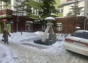 金沢通りにある石の灯篭