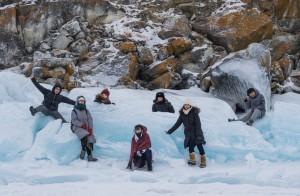 同じグループのメンバーでバイカル湖の中に浮かぶ島まで行きました