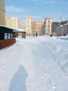 この時期はまだ雪深いですが、晴れる日もあります。