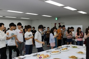 大勢の学科生が授賞式に参加していました。