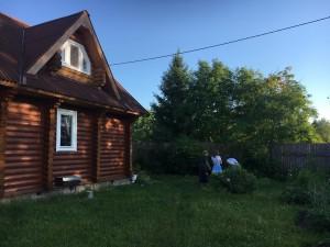 友達のご両親が持つдача(別荘)。夏の間はогород(菜園、畑)を耕しながらここで過ごすそうです。