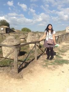2013年9月、タルクィニア、ネクロポリにて