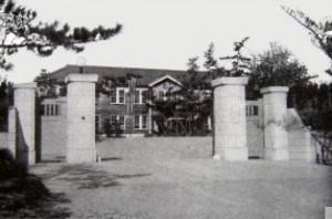 元名古屋陸軍幼年学校正門 (現中部管区警察学校)